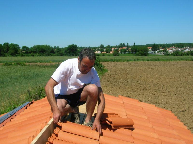 Construction de mon abri de jardin pose de liteaux et de for Pose tuile romane canal